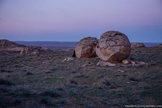 Valley of Stone Balls on Mangyshlak Peninsula, Kazakhstan, photo 11