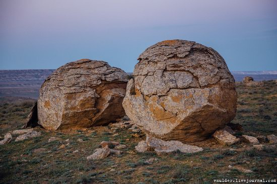 Valley of Stone Balls on Mangyshlak Peninsula, Kazakhstan, photo 14