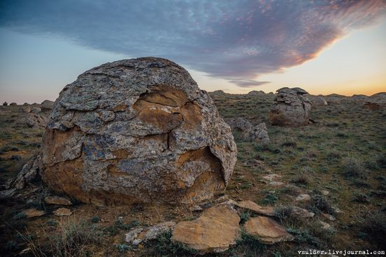 Valley of Stone Balls on Mangyshlak Peninsula, Kazakhstan, photo 2