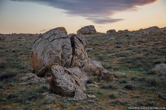 Valley of Stone Balls on Mangyshlak Peninsula, Kazakhstan, photo 4