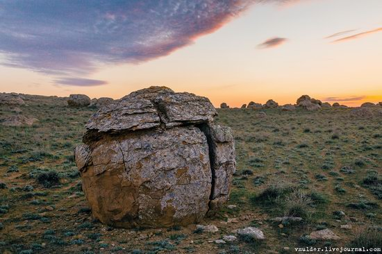 Valley of Stone Balls on Mangyshlak Peninsula, Kazakhstan, photo 5