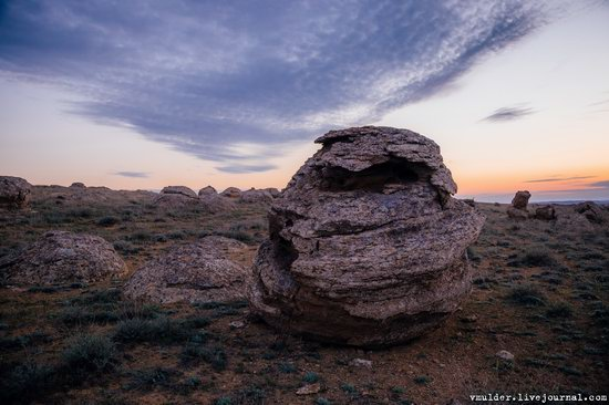 Valley of Stone Balls on Mangyshlak Peninsula, Kazakhstan, photo 8