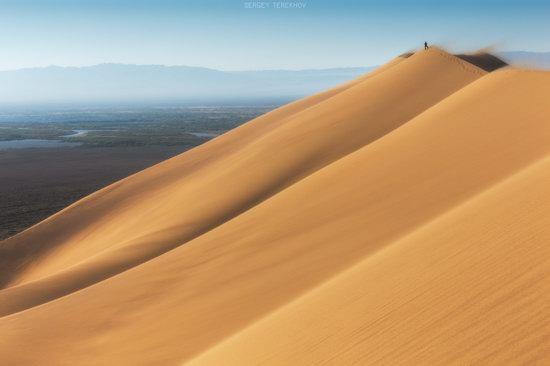One Windy Day on the Singing Barkhan, Kazakhstan, photo 6