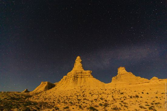 Bizarre Chalk Cliffs of Akkergeshen Plateau, Atyrau Oblast, Kazakhstan, photo 16
