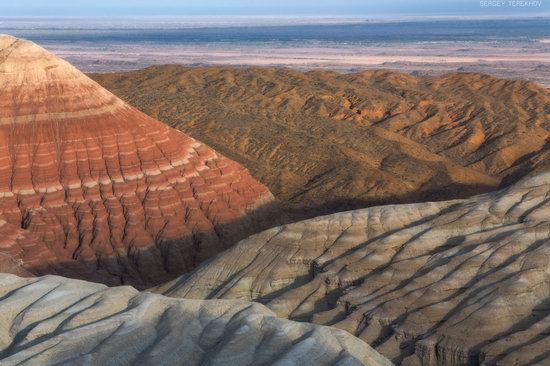 Colorful Landscapes of the Aktau Mountains, Kazakhstan, photo 19