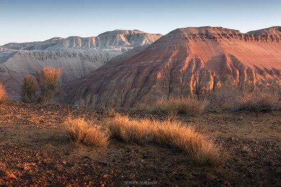 Sunrise in Aktau Mountains, Kazakhstan, photo 6