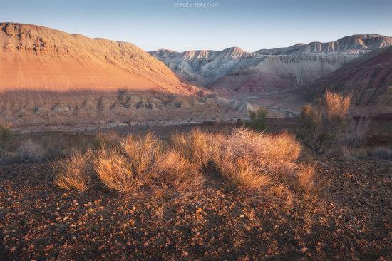 Sunrise in Aktau Mountains, Kazakhstan, photo 7