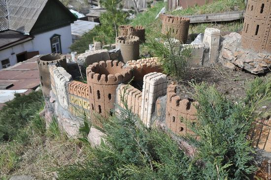 Fairytale castles on a hillside in Petropavl, Kazakhstan, photo 10