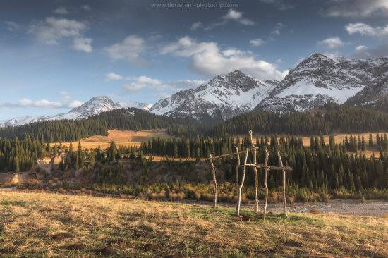 Autumn in the valley of the Tekes River, Almaty Oblast, Kazakhstan, photo 6
