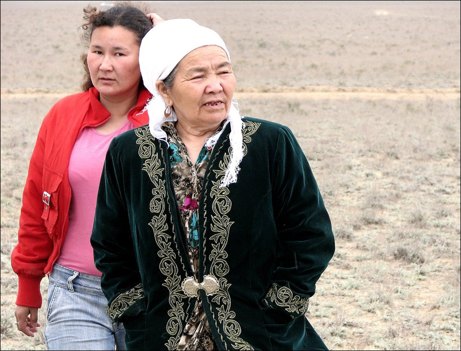a discussion on handicraft in the kazakh culture 14,160 discussion and conversation questions for speaking practice 708 free esl lesson plans, handouts, worksheets and downloads controversial and mainstream topics.