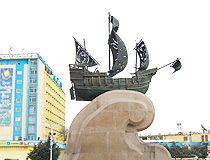 Aktau city ship monument
